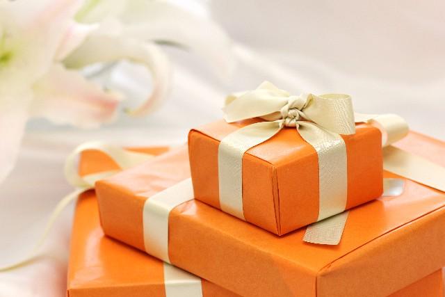 20代社会人の彼氏に贈るクリスマスプレゼント!相場はどのくらい?