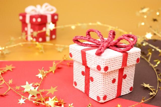 クリスマスプレゼントに手作りを!折り紙でできるアイディア!