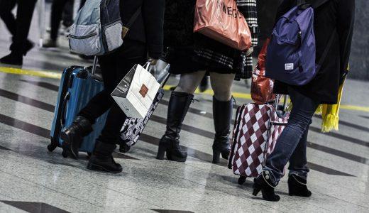 バックパックとスーツケース、海外行くならどっちがおすすめ?
